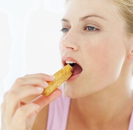 吃薯條如同吸煙 影響胎兒發育