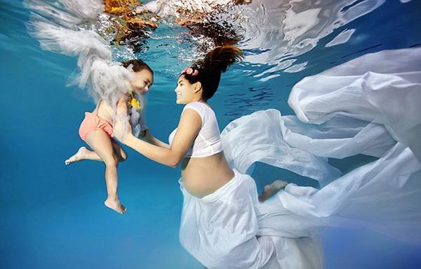 孕婦水下寫真照